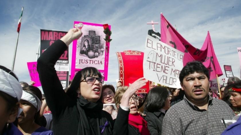 Añadió que se tiene que trabajar en la prevención, que es algo fundamental, y que una vez que ya se tiene identificado un caso de violencia de género, se debe tratar en particular, sobre todo para proteger a las mujeres.(Agencia Reforma)